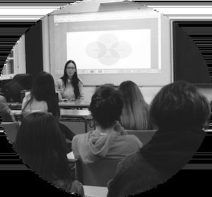 Ariadna-González-Psicóloga_Psicooncologia-alumnos-bachillerato